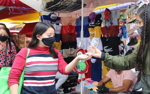 Informalidad, mal crónico que creció en América Latina con la pandemia - Medidas sanitarias en tianguis de Ecatepec. Foto de @GobiernodeEcatepecdeMorelos