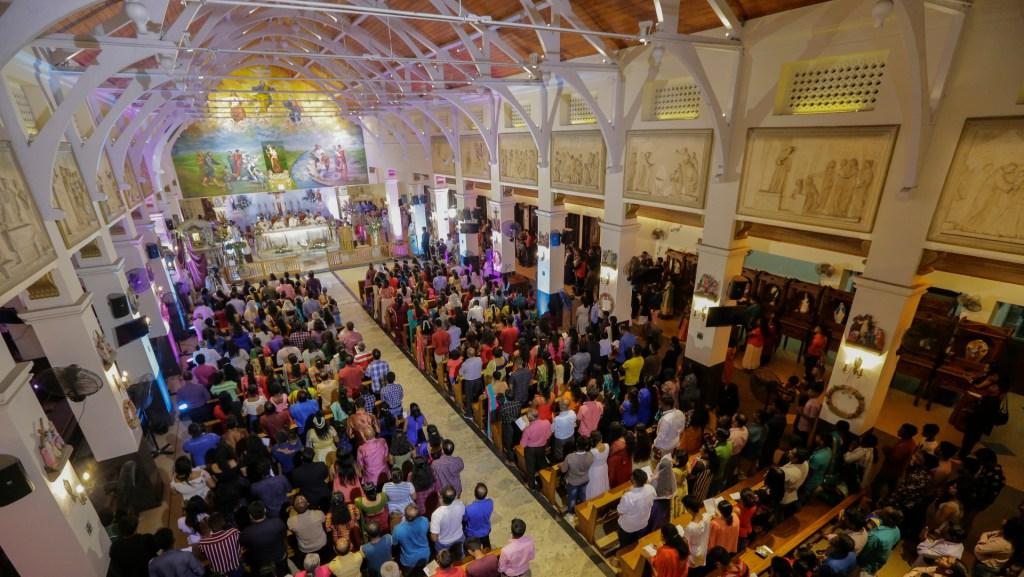 El Vaticano permite celebrar hasta cuatro misas en Navidad, Año nuevo y Epifanía - Foto de EFE