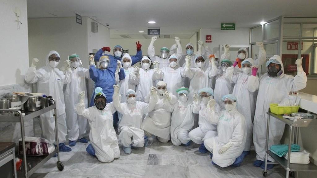 Implementará IMSS la Operación Chapultepec para atender COVID-19 en Valle de México - Personal médico del IMSS que atiende COVID-19. Foto de @imss_mx