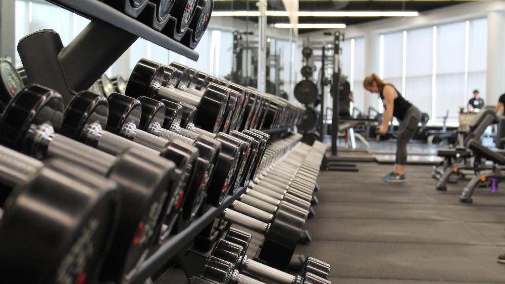 10 beneficios de entrenar fuerza para los corredores - Foto de Danielle Cerullo para Unsplash