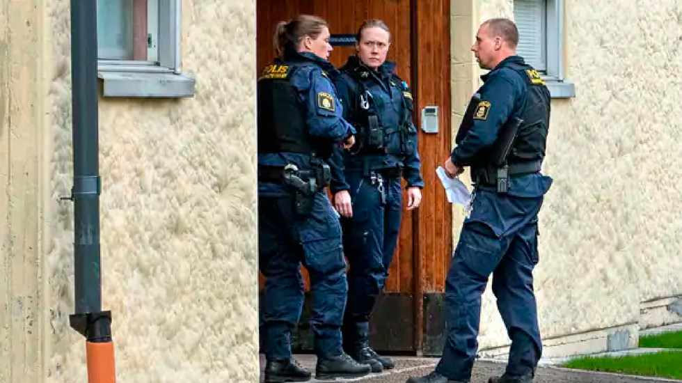 Policía sueca detiene a anciana por mantener encerrado a su hijo 28 años contra su voluntad - Policía sueca detiene a anciana por mantener encerrado a su hijo 28 años contra su voluntad. Foto Claudio Bresciani