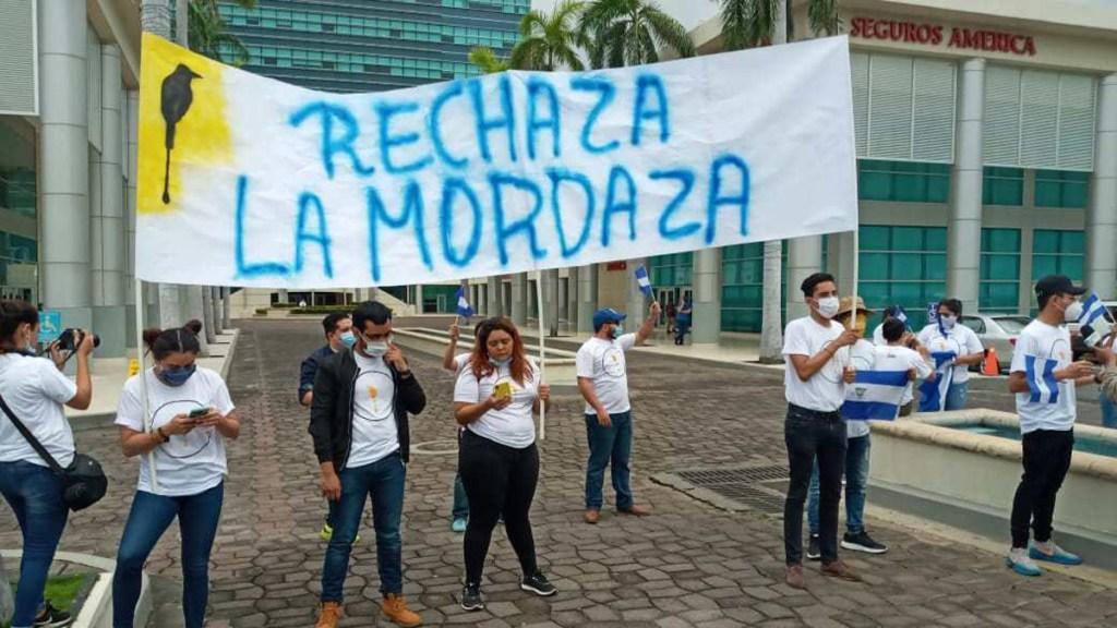 Ley de ciberdelitos 'reprime' libertad de prensa en Nicaragua, alerta ONG - Protesta contra 'Ley Mordaza' en Nicaragua. Foto de  @AUNNicaragua