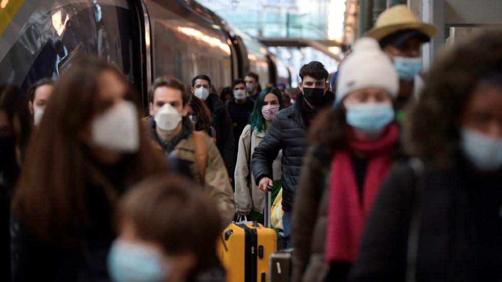 Francia registra 20 mil nuevos casos de COVID-19 con tasa de positividad a la baja - Terminal férrea en Francia durante pandemia de COVID-19. Foto de EFE