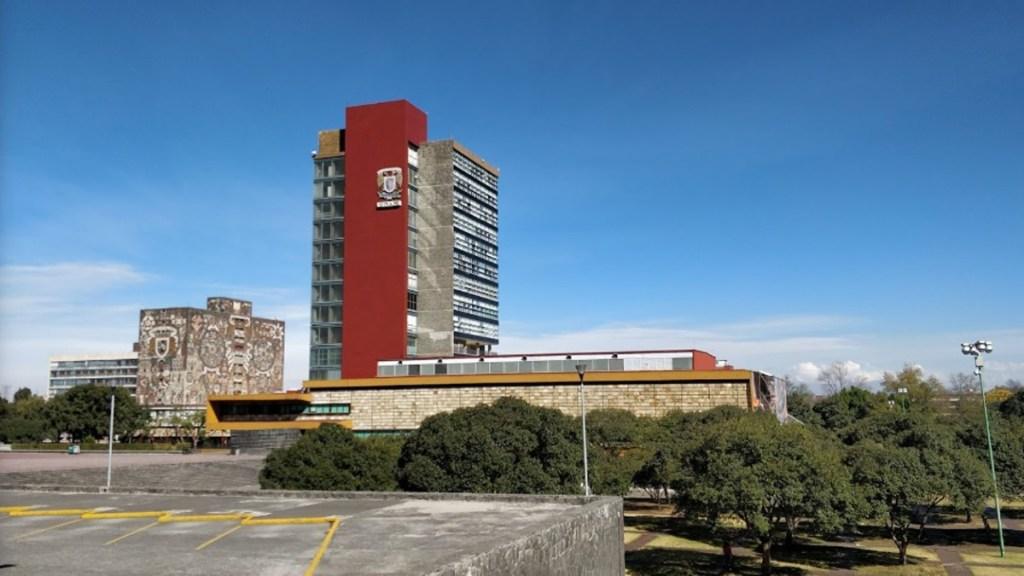 UNAM se reafirma entre las mejores universidades del mundo - Torre de Rectoría de UNAM en Ciudad Universitaria. Foto de Guillermo Tobin / Google Maps