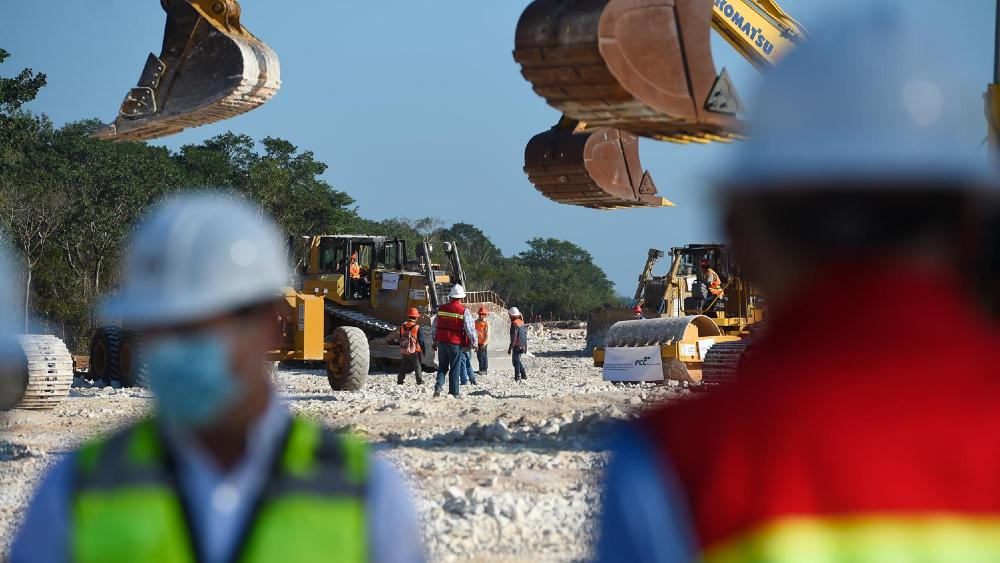 Encarga López Obrador al Ejército operación del Tren Maya y cuatro aeropuertos - Foto de lopezobrador.org.mx