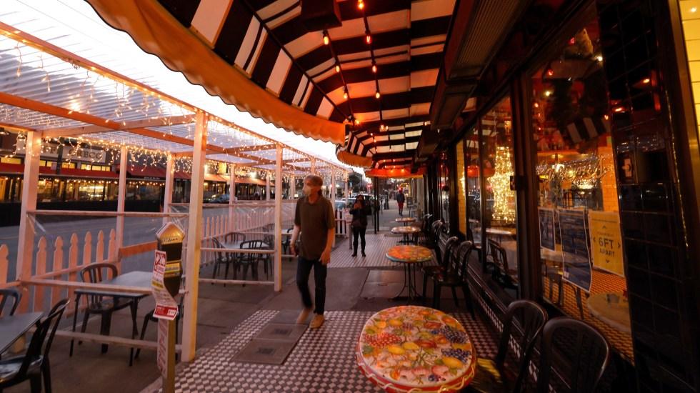 San Francisco vuelve a cerrar bares y restaurantes por expansión de COVID-19 - Zona de bares en San Francisco, EE.UU. Foto de EFE
