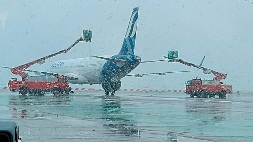"""Aeropuerto de Madrid paraliza vuelos por nevada """"histórica"""" ocasionada por tormenta 'Filomena' - Aeropuerto de Madrid paraliza vuelos hasta las 10 00 horas del sábado. Foto Twitter @aena"""