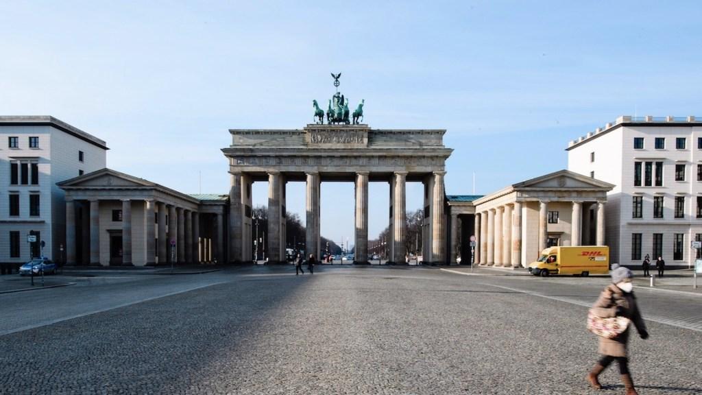 Alemania enfrenta lentitud en aplicación y distribución de vacunas contra COVID-19 - Foto de EFE