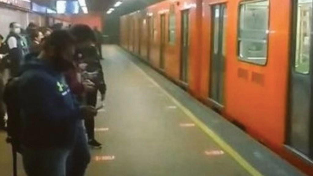 Conato de incendio provoca desalojo de pasajeros en la estación Auditorio del Metro - Foto de Radio y TV Mexiquense