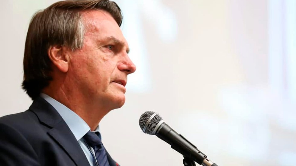 Bolsonaro asegura en cadena nacional que habrá suficientes vacunas contra COVID-19; en Brasil estallan cacerolazos - Desaprobación al gobierno de Jair Bolsonaro aumenta en Brasil, según sondeo. Foto Facebook Jair Messias Bolsonaro