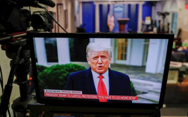 """Trump acepta que se acaba su mandato; promete una """"transición ordenada"""" - Donald Trump en su mensaje de este miércoles. Foto de EFE/EPA/SHAWN THEW."""
