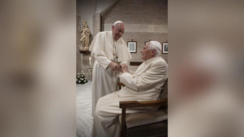 Vacunan contra COVID-19 al papa Francisco y Benedicto XVI - El papa Francisco y el papa emérito, Benedicto XVI. Foto de Vatican Media