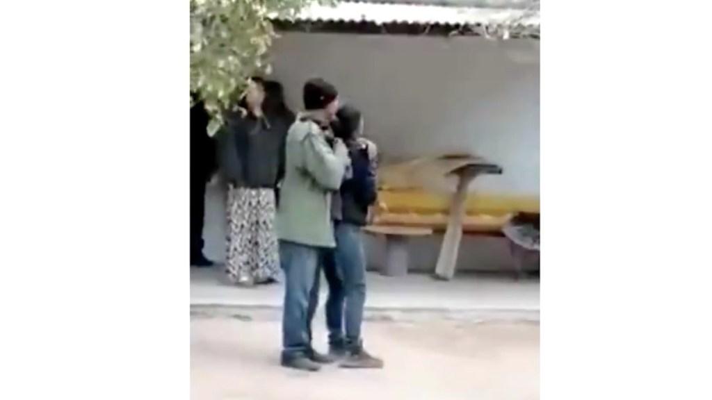#Video Condenan a seis años de cárcel a sujeto que amenazó con arma de juguete a mujer en Sonora - Captura de pantalla