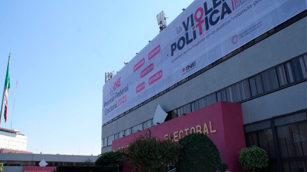 INE ordena retirar promocionales a Morena y PRD por improcedentes - INE ordena retirar promocionales a Morena y PRD por improcedentes. Foto Facebook INE México