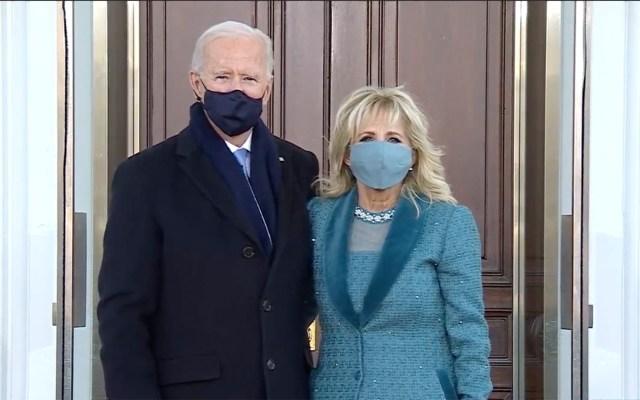 Biden ingresa por primera vez a la Casa Blanca como presidente de Estados Unidos - Joe, acompañado de su esposa Jill Biden, ingresa por primera vez a la Casa Blanca. Foto de C-Span-Captura de pantalla.