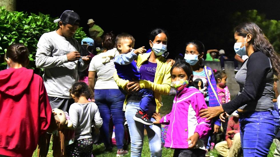 Kamala Harris liderará esfuerzos contra migración irregular en la frontera con México - Caravana de migrantes hondureños  compuesta por familias con niños rumbo a EE.UU. Foto de EFE / Archivo