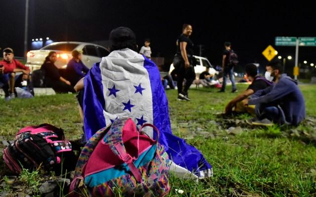 México exhorta a Honduras a atender y contener las caravanas migrantes - Foto de EFE