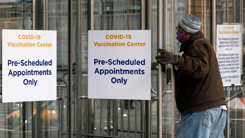 Nueva York se queda sin vacunas y detiene campaña de inmunización - Nueva York se queda sin vacunas y detiene campaña de inmunización. Foto EFE