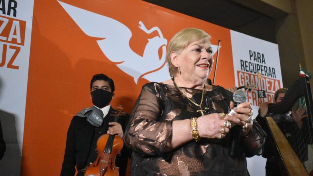 Paquita la del Barrio se registra como precandidata a diputada local en Veracruz - Paquita la del Barrio al registrarse como precandidata a diputada local en Veracruz. Foto de @MovCiudadanoVer