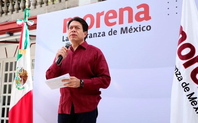 Mario Delgado asegura que hay campaña de autoridad electoral contra Morena - Protestan militantes de Morena en sede nacional por inconformidad en designaciones. Foto Twitter @mario_delgado