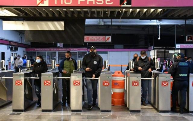 Reabre Línea 1 del Metro CDMX - La Línea 1 del Metro capitalino reanudó el servicio tras el incendio en la Subestación del STC. El servicio inició con 10 trenes para complementarse horas más tarde con 6. y un tiempo de espera en andén de 5 minutos. Foto de @MetroCDMX