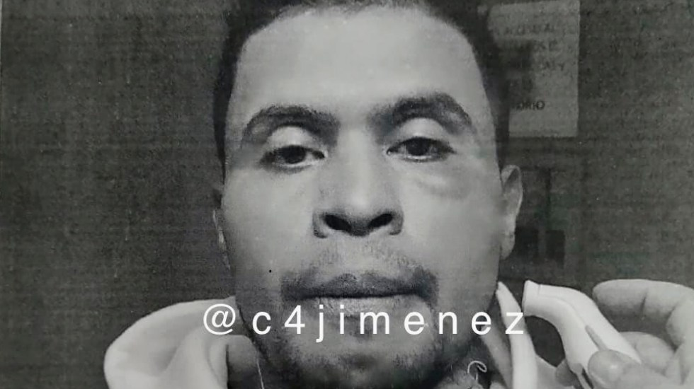 Detenido se fuga de la FGR en CDMX lanzándose desde ventana - Sujeto detenido se lanza desde una ventana para fugarse de instalaciones de la FGR. Foto Twitter @c4jimenez
