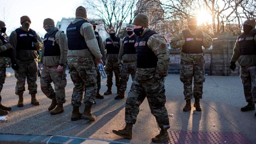 Suman 69 detenidos por disturbios en Capitolio de Estados Unidos - Suman 69 detenidos por disturbios en el Capitolio de Estados Unidos. Foto EFE
