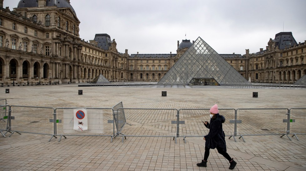 Francia inicia toque de queda ampliado para frenar el agravamiento de la pandemia - Toque de queda en Francia por COVID-19. Foto de EFE