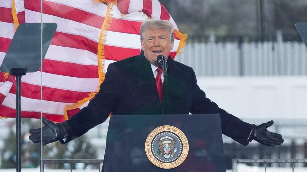 Defensa de Trump redibuja asalto al Capitolio con relato manipulado de hechos - Donald Trump en mitin con simpatizantes previo a toma del Capitolio. Foto de EFE