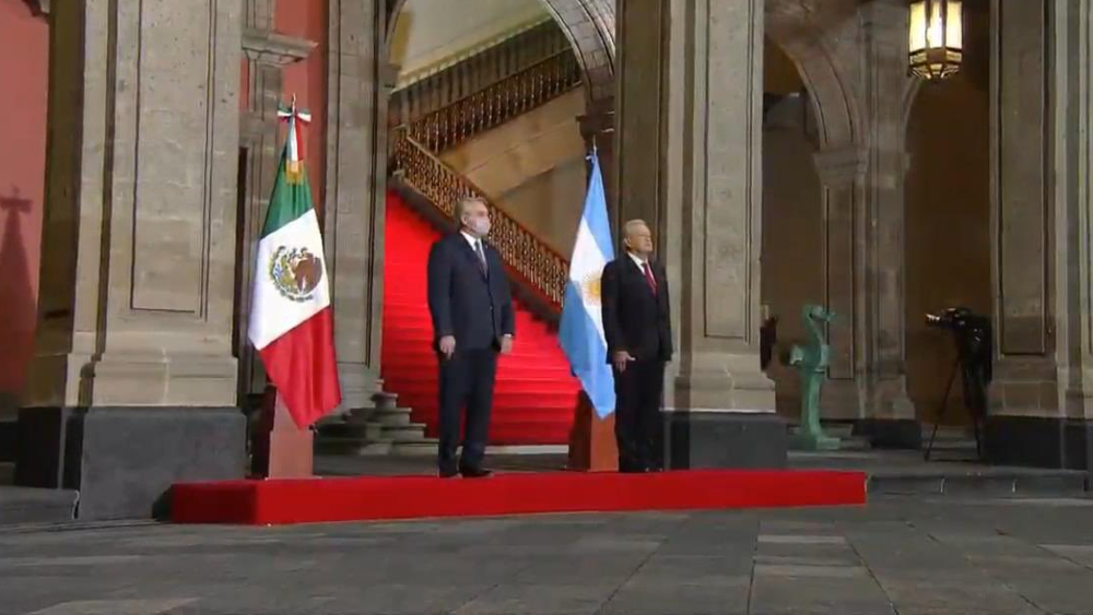 AMLO da la bienvenida a Alberto Fernández en Palacio Nacional - Foto de captura de pantalla