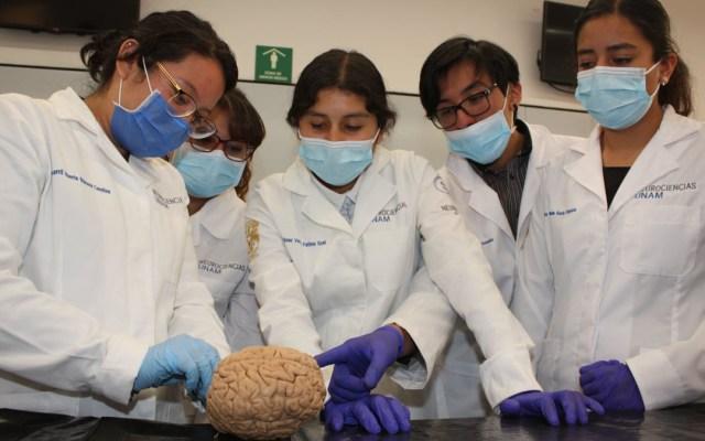 Autoriza UNAM regreso de alumnos a las aulas para prácticas - Alumnos de la Facultad de Medicina de la UNAM. Foto de @FacultadMedicinaUNAM