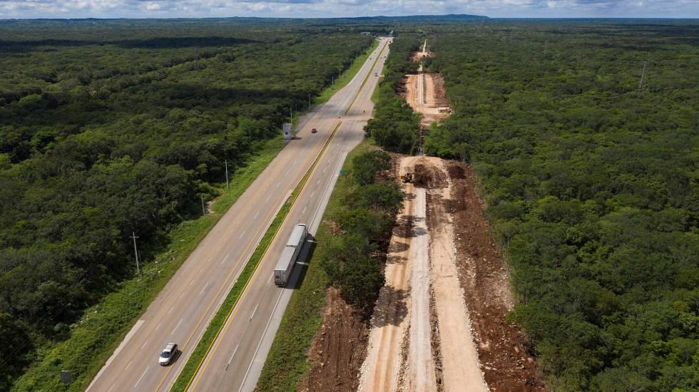 """Con ahorros por cancelar NAIM, """"casi"""" se financiará el Tren Maya: AMLO - Avance en la construcción del Tren Maya. Foto de EFE"""