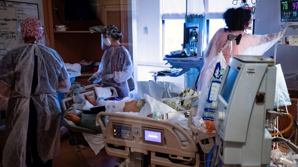 Estados Unidos acumula 525 mil 728 muertes y 29 millones 41 mil 230 contagios por COVID-19 - Foto de EFE