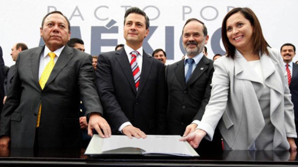 Página del 'Pacto por México' se convierte en sitio sobre el herpes - Firma del Pacto por México. Foto de Presidencia de México / Archivo