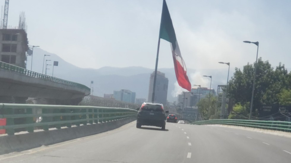 Se registran incendios en el Ajusco y cerca del AICM - Foto de @juanxiomiguel