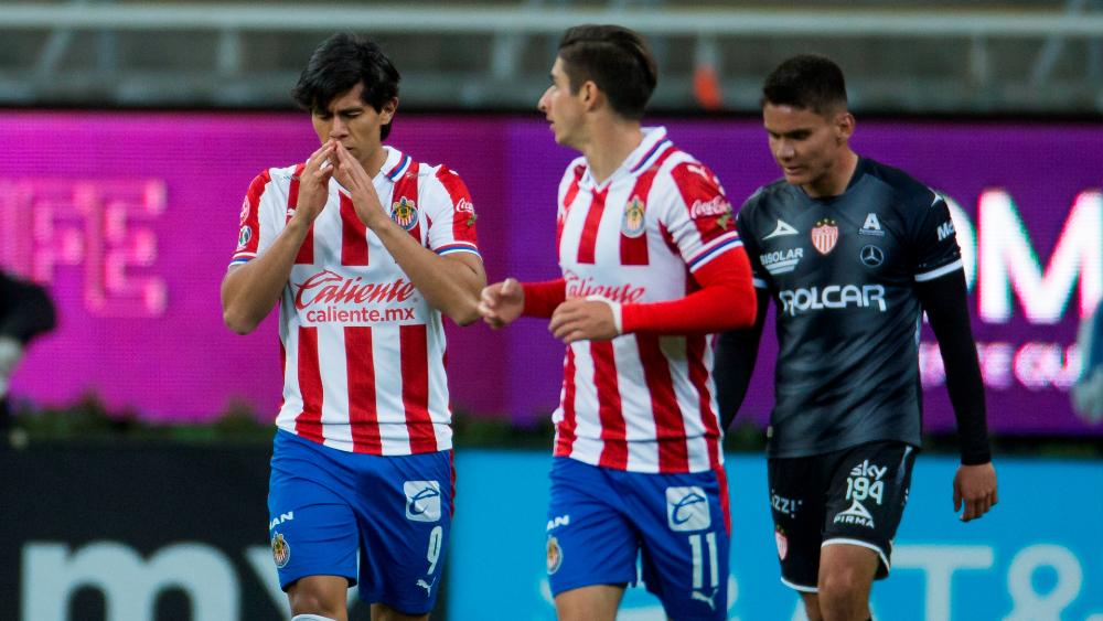 Chivas rescata el empate ante Necaxa - Foto de EFE