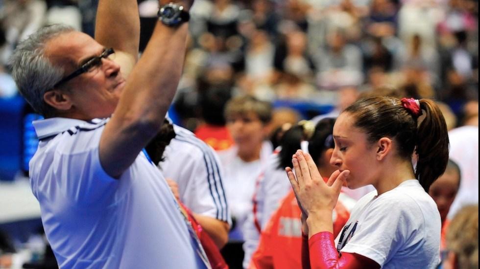 Se suicida John Geddert, exentrenador de equipo olímpico de gimnasia de EE.UU. acusado de agresión sexual - Foto de EFE
