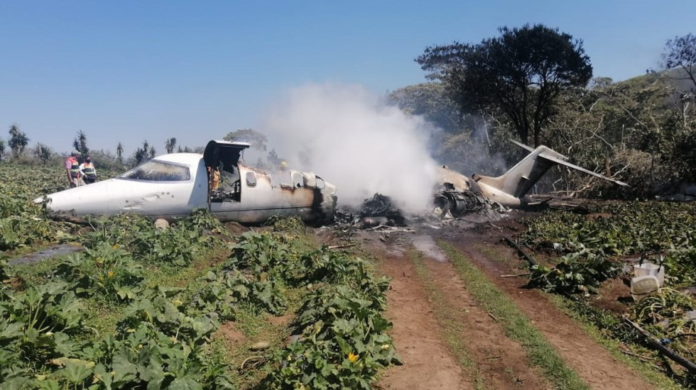 Se desploma LearJet de las Fuerza Aérea Mexicana en Veracruz; hay seis muertos - Learjet de la FAM accidentado en Xalapa, Veracruz. Foto Especial