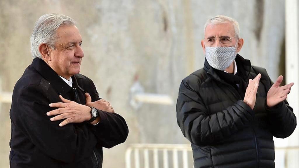 AMLO envía proyecto de decreto para cambiar nombre a SCT - López Obrador con Jorge Arganís, titular de la SCT. Foto de SCT