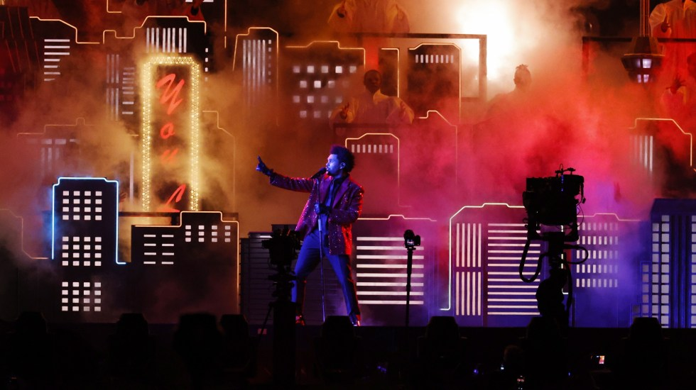 #Video The Weeknd encabeza espectáculo de medio tiempo del Super Bowl - NFL Super Bowl Chiefs Buccaneers Kansas City 4