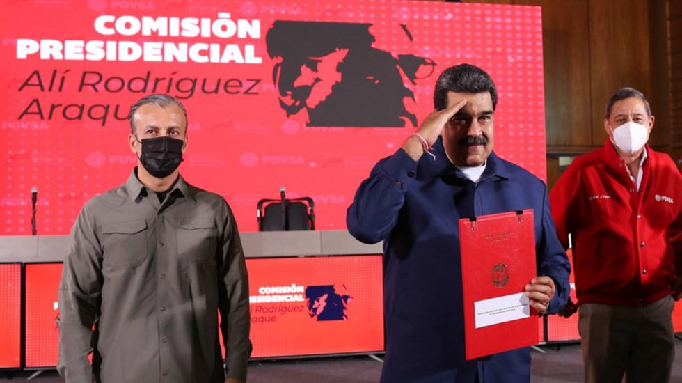 Nicolás Maduro busca convertir a Venezuela en 'suministrador seguro' de gas a México - Nicolás Maduro en reunión con Petróleos de Venezuela. Foto de @PresidencialVen