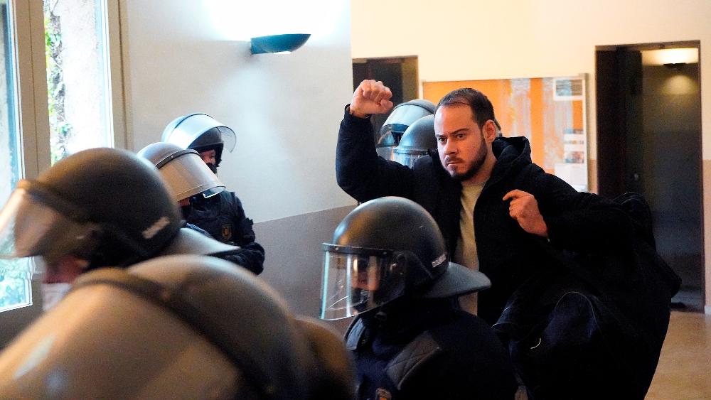 Detienen a rapero español condenado a prisión por enaltecer el terrrorismo - Foto de EFE