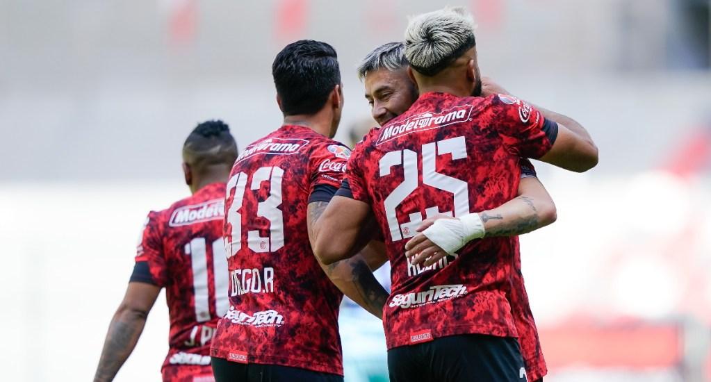 Toluca golea al Mazatlán y alcanza liderato en Liga MX - Toluca partido Mazatlán goleada