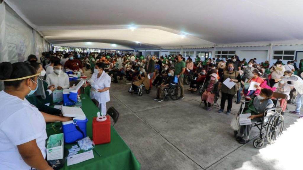 Se aplicaron este miércoles 19 mil 737 dosis de vacuna contra COVID-19 en la Ciudad de México - Foto de Gobierno de la Ciudad de México
