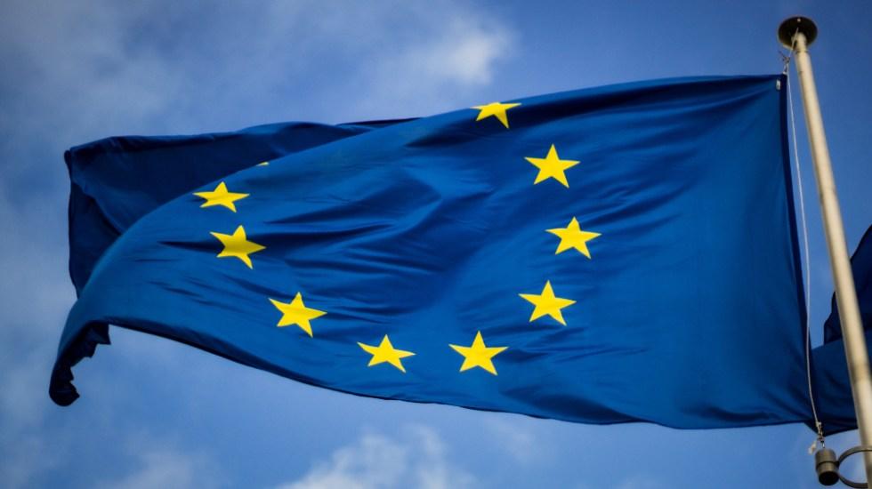 Unión Europea vuelve a limitar viajes turísticos desde EE.UU. e Israel - bandera Union Europea