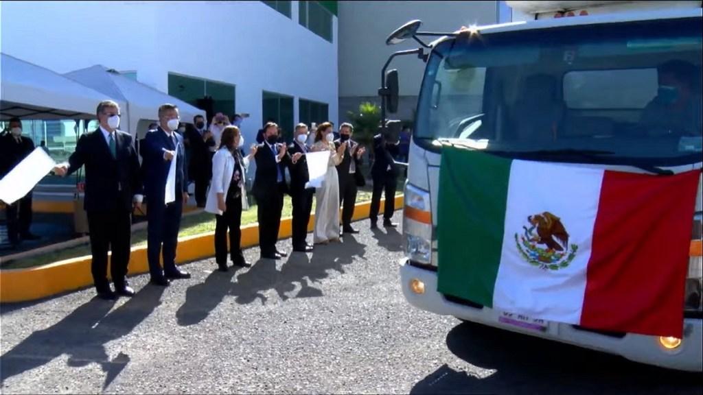 Arranca distribución de vacunas contra COVID-19 de CanSino envasadas en México - Banderazo de salida de vacunas contra COVID-19 de CanSino para su distribución en todo México. Captura de pantalla