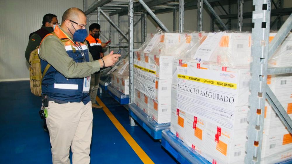 México comienza distribución de 800 mil dosis de vacuna china Sinovac - Foto de Birmex