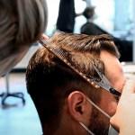 Peluqueros en Berlín: Alivio por reapertura, pero quejas por falta de ayudas - Corte cabello peluquería Alemania COVID-19