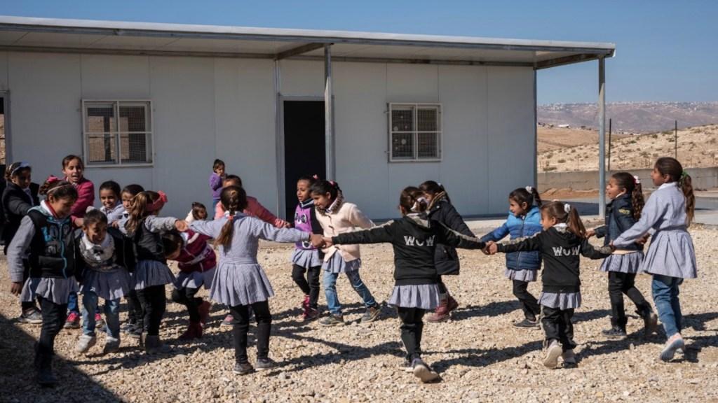 La pandemia echa a perder más de un tercio del ciclo escolar en todo el mundo - Foto de Save The Children