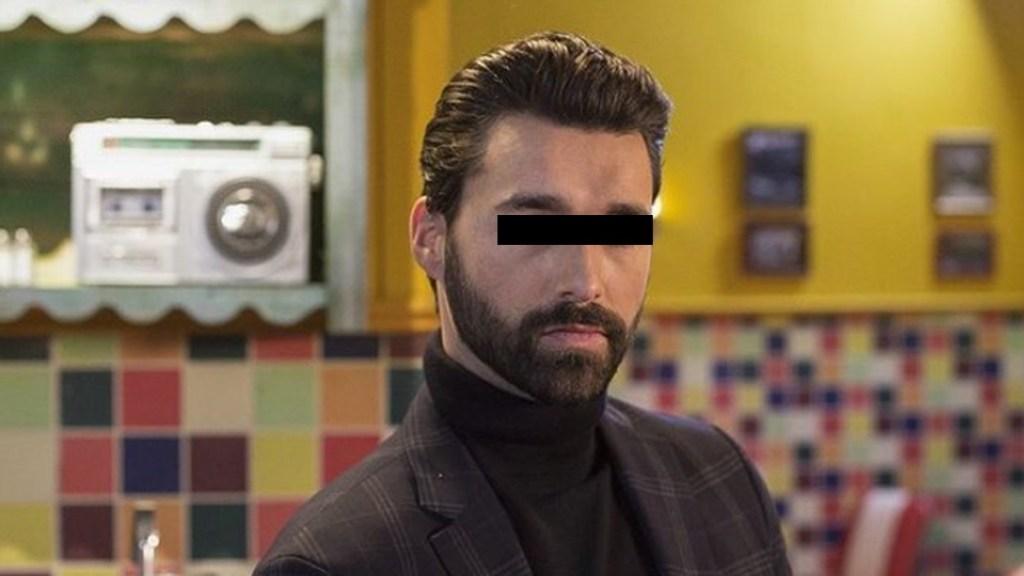 Televisa suspende a Gonzalo Peña por presunta complicidad en abuso sexual contra Daniela Berriel - Gonzalo Peña como Mariano en Qué le pasa a mi familia. Foto de @qlepasaamifamilia